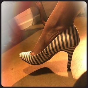 Striped low heels